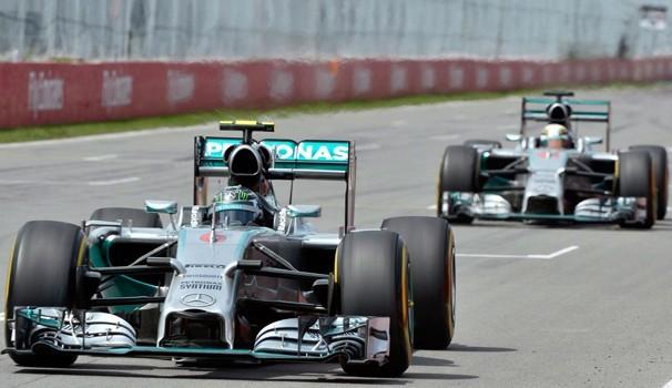 Lewis Hamilton segue na cola de Nico Rosberg pela liderança do ranking (Foto: globoesporte.com)