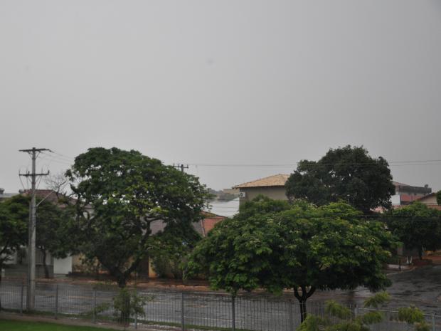 Céu de Campo Grande na tarde deste sábado (29) (Foto: Adriel Mattos/G1 MS)