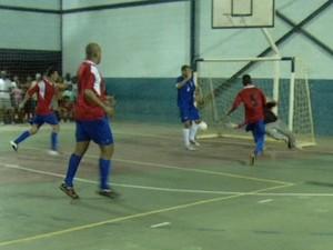 Quatis x Mendes Copa Rio Sul de Futsal 2014 (Foto: Reprodução/TV Rio Sul)