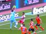 Diego Alves sai de campo com dores  e vira preocupação para Copa América