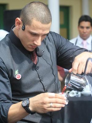 O paranaense Felipe Oliveira representará o Brasil na etapa mundial do concurso de barista (Foto: Daniel Babinski/Divulgação)
