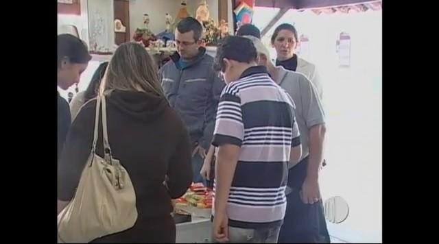 Comércio de Guararema  (Foto: Reprodução / TV Diário)