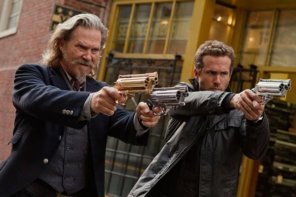 Jeff Bridges e Ryan Reynolds em R.I.P.D. Agentes do Além (Foto: Divulgação)
