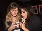 Mirella Santos tieta Anitta em bastidores de show