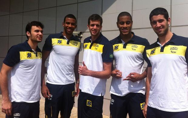 vôlei Thiaguinho, Aracaju, Ary, Lucarelli e Batagim (Foto: Divulgação / CBV)
