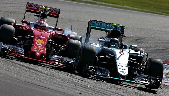 Nico Rosberg e Kimi Raikkonen se tocam no GP da Malásia