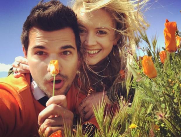 Billie Lourd e Taylor Lautner (Foto: Reprodução/Instagram)