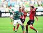 Sem Zé Roberto, Palmeiras aguarda exames e pode perder centroavantes