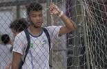 Cascudo vê Wesley e Janaína voltando de treino em Vila Olímpica