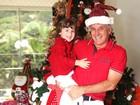 Otávio Mesquita e o filho Pietro recebem o EGO em casa, em São Paulo, e mostram sua árvore de Natal