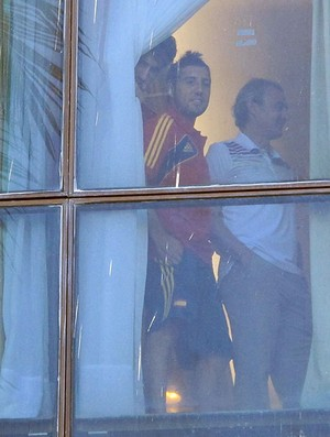 Espanha jogadores Hotel janela (Foto: Alexandre Alliatti)
