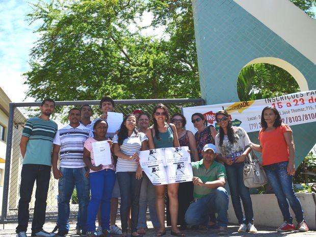 Professores esperam ser convocados o quanto antes  (Foto: Marina Fontenele/G1)