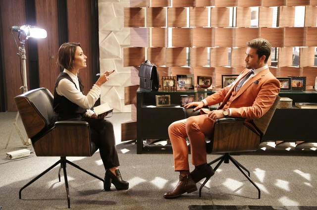 Juliana Knust e Sergio Marone em cena de 'Apocalipse' (Foto: Munir Chatack/Record)