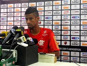 Leo moura flamengo coletiva (Foto: Janir Junior / Globoesporte.com)