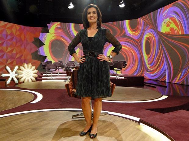 Fátima arrasou e ousou com vestido verde de oncinha (Foto: Encontro com Fátima Bernardes/TV Globo)