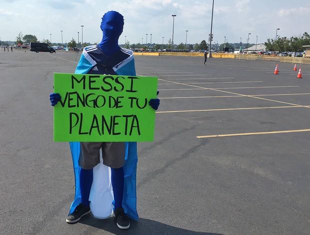 """BLOG: """"Extraterrestre"""" vai aos EUA torcer pela Argentina: """"Messi, venho do seu planeta"""""""