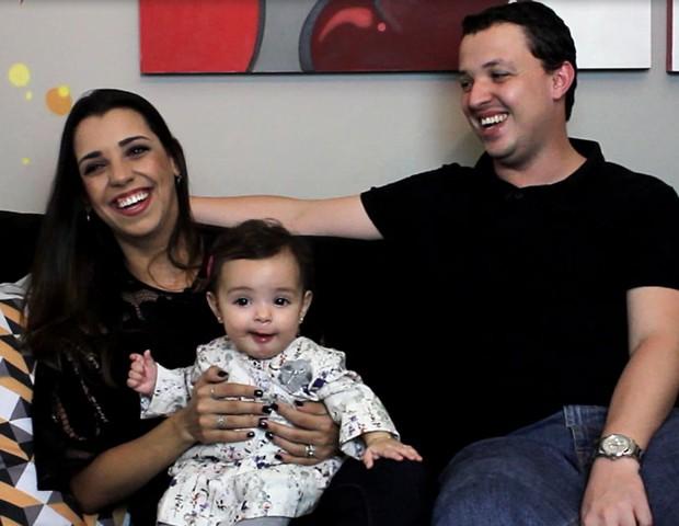 História de parto contada pelo pai: Clariana e Renato (Foto: Crescer/ Editora Globo)