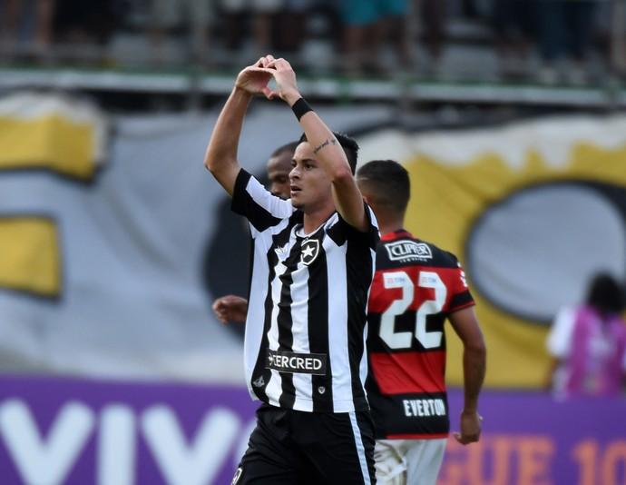 Diogo Barbosa - gol Botafogo - Botafogo x Flamengo (Foto: André Durão)