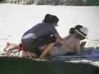 Cleo Pires e Cissa Guimarães gravam em praia de nudismo