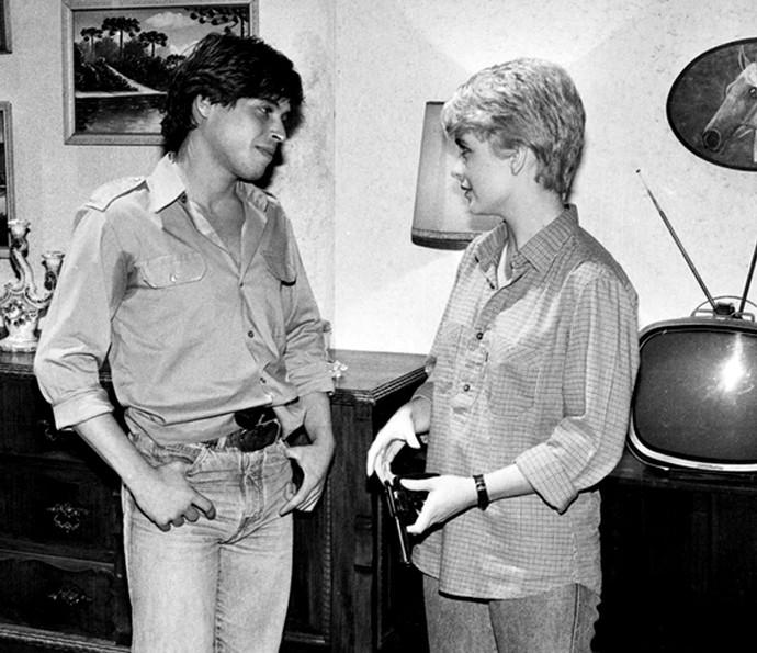 Cláudia Abreu com o corte de cabelo parecido na minissérie 'Anos Rebeldes', de 1992 (Foto: Memória Globo)