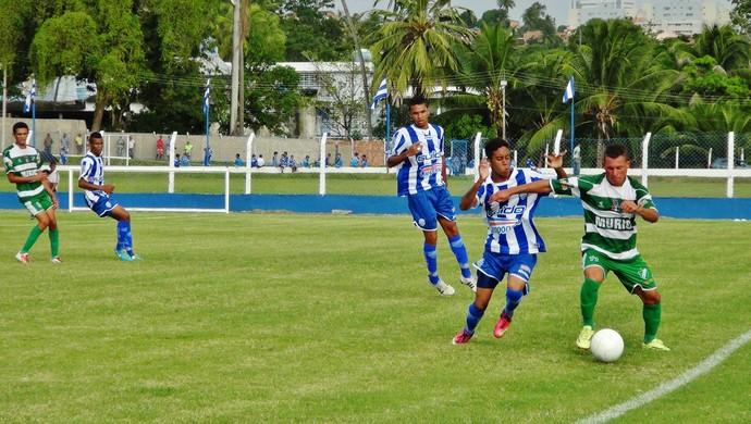 CSA e Murici empataram em 1 a 1 no campo do Mutange (Foto: Henrique Pereira/ GloboEsporte.com)