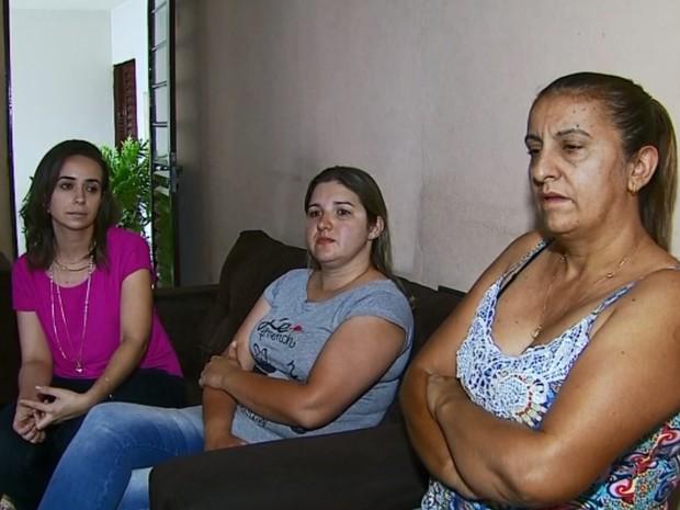 Servidores foram exonerados sem direitos trabalhistas em Passos, MG (Foto: Reprodução EPTV)