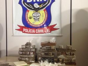 Mais de 30 quilos de droga foram apreendidos (Foto: Roberta Cólen/G1)