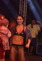 Invejamos! Alinne Rosa revela o que faz para ter a barriga (mega) perfeita