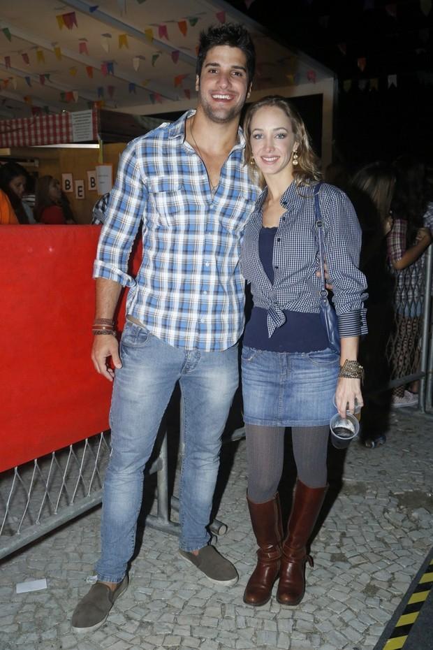 Ex-BBB Marcelo com a namorada Hazel de Andrade (Foto: Roberto Filho/AgNews)