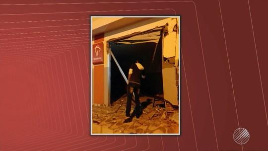 Homens explodem bancos na Bahia e incendeiam veículo usado no crime