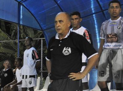 Nelson Mourão, treinador do Cori-Sabbá (Foto: Renan Morais/GLOBOESPORTE.COM)