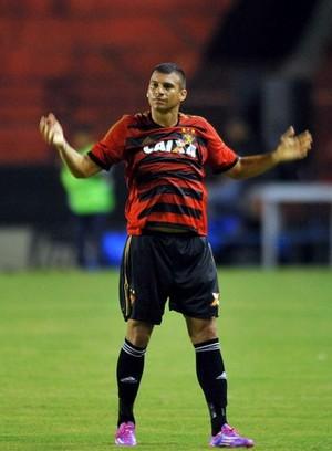Neto Baiano comemora gol (Foto: Aldo Carneiro (Globo Esporte.com/Pernambuco Press))