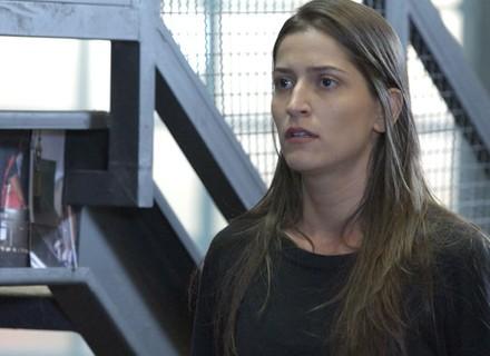 Nat aparece na academia e diz que lembra de Duca e Karina