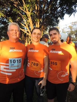 Rafael Crivelin trouxe o pai e a amiga Flávia Botari para a competição (Foto: Diogo Marques/G1)
