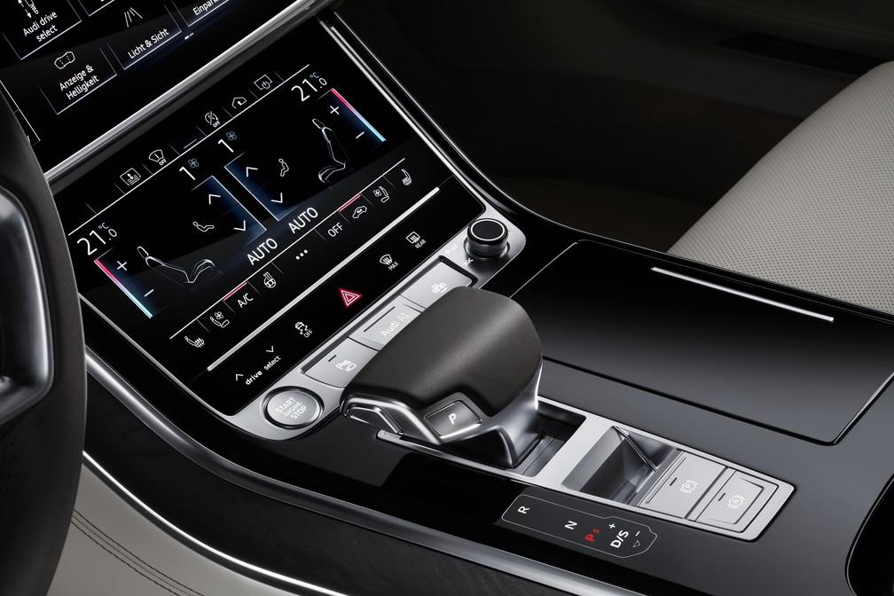 Interior do Audi A8 quase não tem botões (Foto: Divulgação)