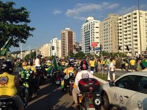 Começa passeata em Florianópolis, com cerca de 600 pessoas  (Foto: G1)