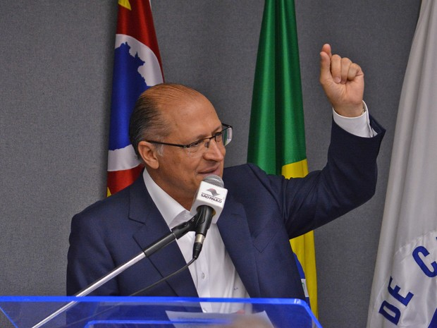 Geraldo Alckmin confirma pagamento de bônus por mérito a professores (Foto: Felipe Albertoni/G1)
