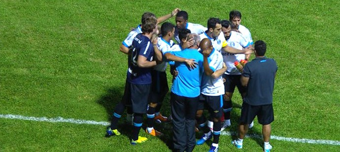 Comemoração do Grêmio contra o Passo Fundo (Foto: Reprodução)