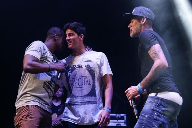 28221b9d933 EGO - Neymar e Gabriel Medina se divertem em show de Thiaguinho no ...