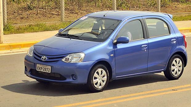 Veja fotos do Toyota Etios