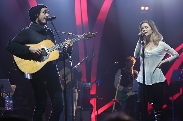 Tiago Iorc e Sandy (Foto: Anderson Borde / AgNews)
