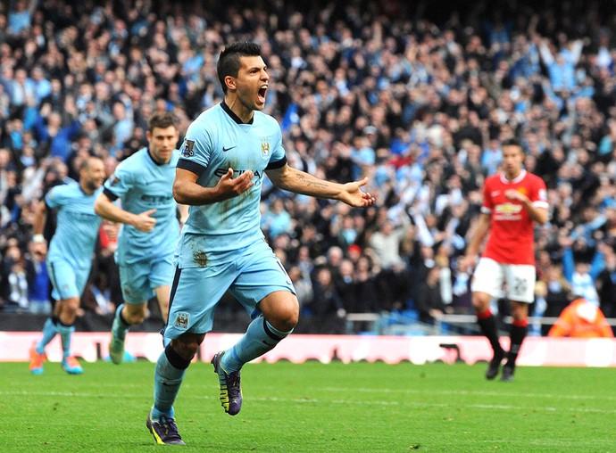 Aguero comemora gol do Manchester City contra o Manchester United (Foto: Agência EFE)