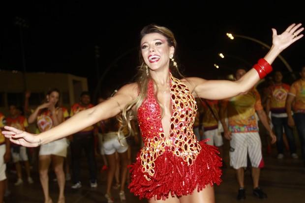 Ex-BBB Fabiana em ensaio da Tom Maior em São Paulo (Foto: Leo Franco/ Ag. News)