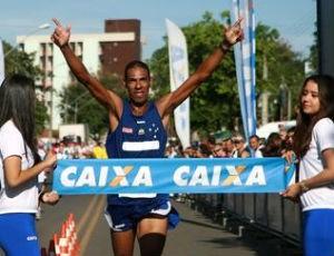 Giomar Pereira - Circuito Caixa de Corrida de Rua (Foto: Luiz Doro / adorofoto)