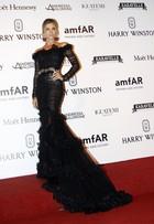 Grazi Massafera é eleita a mais bem vestida do baile de gala da amfAR