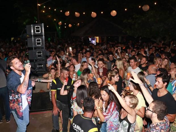Banda Eva se apresenta em festa em Trancoso, na Bahia (Foto: Fred Pontes/ Divulgação)