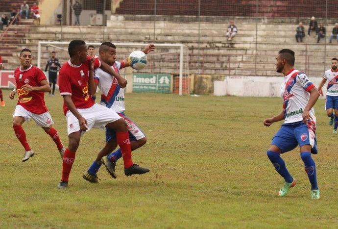 Técnico Geraldo Meira após revés de 2 a 1 diante do América de Rio Preto (Foto: Sérgio Borges / No Foco / Divulgação)