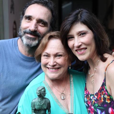 Edgar Duvivier, Nicette Bruno e Beth Goulart (Foto: O Globo)