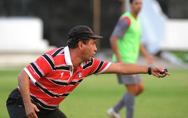 Zé Teodoro, técnico do Santa Cruz (Foto: Aldo Carneiro / Pernambuco Press)