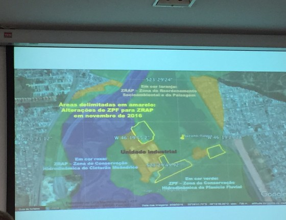 Apresentação do Ministério Público indicando os locais possivelmente modificados nos mapas da APA do Tietê (Foto: ÉPOCA)